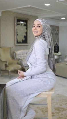 Hijab Teen, Arab Girls Hijab, Muslim Girls, Muslim Brides, Beautiful Hijab Girl, Beautiful Muslim Women, Beautiful Asian Girls, Modern Hijab Fashion, Muslim Women Fashion