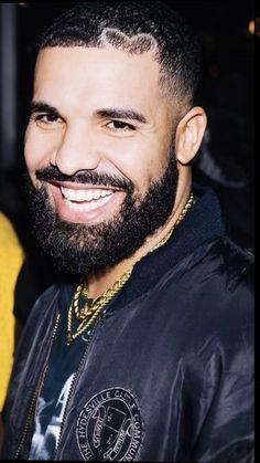 Drake Graham, Round Sunglasses, Mens Sunglasses, Aubrey Drake, Rap Wallpaper, Hip Hop Artists, Male Artists, Septum Ring, Eye Candy