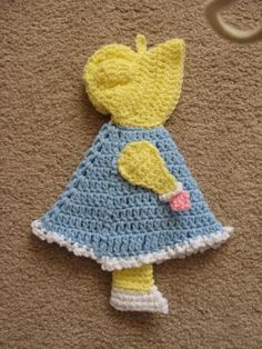 Sunbonnet Sue!  My grandma Opal had a quilt with her on it.  I loved that quilt!