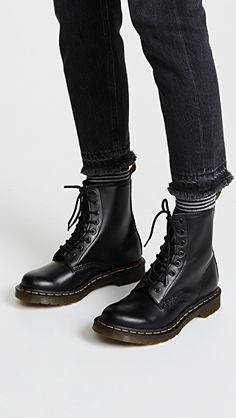 want Dr.Martens Boots Appears to be like- # herren │Dr.Martens Boots Appears to be like- # herren A Dr. Martens, Dr Martens 1460, Doc Martens Stiefel, Doc Martens Boots, Doc Martens Style, Dr Martens Outfit, Doc Martens Chelsea Boot, Chelsea Boots, Timberland Stiefel Outfit