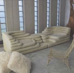 40 Of The Most Trending Interior European Style Ideas To Update Your House - Home Decoration Experts Sofa Design, Furniture Design, Deco Furniture, Funky Furniture, Muebles Home, Magazine Design, Interior Design Inspiration, Interior Architecture, Bean Bag Chair
