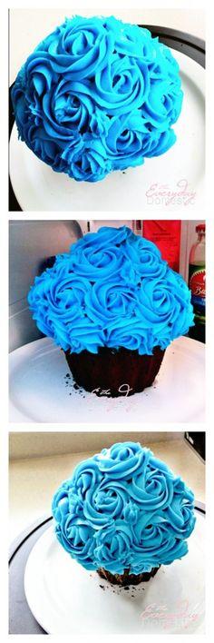 Giant Cupcake Cake Inspiration Large Cupcake Cakes, Big Cupcake, Giant Cupcakes, Fun Cupcakes, Cupcake Party, Party Cakes, Minion Birthday, Birthday Cakes, Sweet Desserts