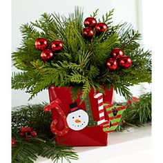 Holly Jolly Christmas Centerpiece: Inspiration...Simple but sooo cute.