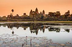 El más grande monumento histórico del mundo, originalmente pensado para la religión hindú y luego transformado paulatinamente en un templo budista.