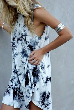 <3 @benitathediva   Cute boho chic outfit with a tie dye dress and faded silver arm band. Coachella or nah?