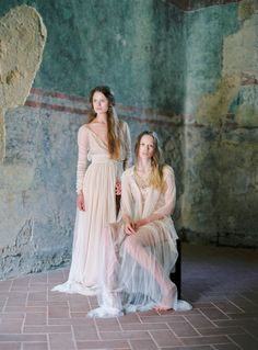 FINE ART FILM WEDDING PHOTOGRAPHER IN ITALY | THE STYLING PILGRIMAGE PEARLandGODIVA ERICH MCVEY WORKSHOP IN ITALY: PART1 | http://www.thecablookfotolab.com