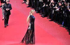 Adriana Karembeu en la premiere de Cleopatra en el Festival de cine de Cannes 2013