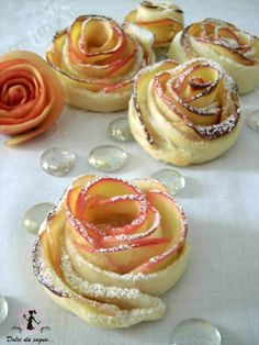Is it an apple desert or a rose? Italian Recipes, Vegan Recipes, Cooking Recipes, Delicious Desserts, Dessert Recipes, Cupcakes, Creative Food, Food Inspiration, Love Food