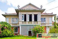 The Montinola Mansion in Jaro District, Iloilo City Philippine Architecture, Asian Architecture, Tropical Architecture, Vernacular Architecture, Residential Architecture, Filipino House, Iloilo City, Philippine Holidays, Philippine Houses