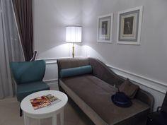 """Camera di """"Grand Hotel Santa Lucia"""", Napoli Italia (Luglio)"""