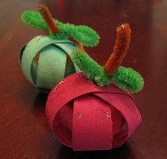 Mini-apple craft - made from cardboard toilet paper / paper towel tubes.