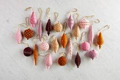 "DIY Christmas ornaments for every style. From minimal to modern, here are our favorite tree ornament tutorials to get you inspired. #[""paint"", ""paper"", ""plastic"", ""recycled"", ""wood"", ""yarn & string"", ""fabric"", ""colorful"", ""Roundup"", ""Christmas"", ""mid-century modern"", ""minimalist"", ""rustic"", ""scandinavian"", ""traditional"", ""vintage"", ""Creative Reuse"", ""Painting"", ""Papercrafting"", ""Recycling & Upcycling"", ""Sewing & Upholstery"", ""crafting"", ""ornaments"", ""christmas tree"", ""Himmeli"", ""nordic"", ""pa Modern Christmas Ornaments, Felt Christmas Decorations, Noel Christmas, Diy Christmas Ornaments, Christmas Projects, Handmade Christmas, Christmas Tables, Nordic Christmas, Christmas Things"