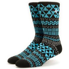 A blended construction adds great comfort and durability to the wild LRG Naturalist black crew socks. Get outside in the all-over blue and grey tribal print on a black mid-shin crew colorway and a white LRG tree logo at the upper to add subtle style to th