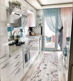 Kitchen Curtains – Choosing From the Many Different Styles Balkon – home accessories Shabby Chic Kitchen, Home Decor Kitchen, Kitchen Furniture, Kitchen Design, Cheap Furniture, Bedroom Furniture, Furniture Design, Outdoor Furniture, Bathroom Interior Design