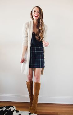 The next feature in my Winter capsule wardrobe remix series: How to wear a plaid skirt, FOUR ways. Plaid is perfect for Winter, see how to wear it. Source by jesskeys winter Fall Winter Outfits, Autumn Winter Fashion, Fashion Tips For Women, Womens Fashion, Fashion Trends, Boho Fashion, Style Fashion, Fashion Ideas, Fashion Design