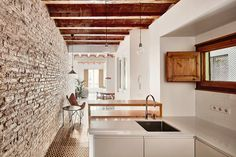 Gallery of Flat Renovation in the Eixample of Barcelona / M2arquitectura - 3