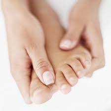 How to make your feet soft & smooth.   Have the perfect pedicure using these ideas. Homemade recipe!...REALLY WORKS!