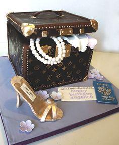Louis Vuitton Trunk Cake