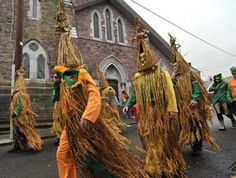 December 26 is Boxing Day for many, but in parts of Ireland, people dress oddly & march through the streets for reasons that are not entirely clear in celebration of St. Christmas In Ireland, Celtic Christmas, Christmas History, Holidays Around The World, Around The Worlds, Erin Go Bragh, Irish Roots, Irish Celtic, Luck Of The Irish