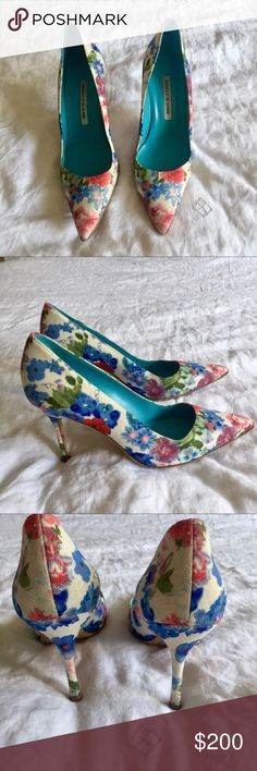 Manolo Blahnik white floral heels - size 8.5 Excellent condition - only worn twice Manolo Blahnik Shoes Heels