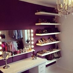 Girly space to get ready for the everyday show of life!