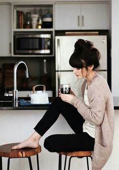New Darlings - Cozy mornings. Love the outfit. Fall Outfits, Casual Outfits, Cute Outfits, Summer Outfits, Outfits 2016, Woman Outfits, Classy Outfits, Beautiful Outfits, Casual Wear
