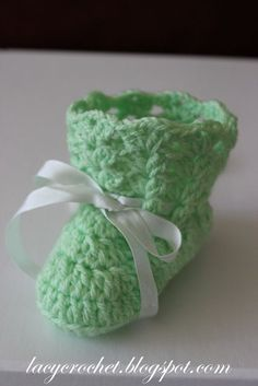 Lacy Crochet: Crochet Baby Booties Tutorial ❤️LCB-MRS❤️ with step by step picture instructions.