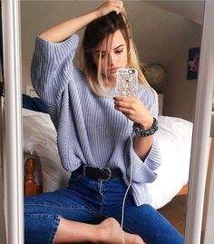 Pinterest - @coppermakeup oversized winter sweater + jeans