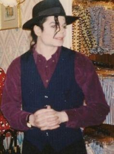Michael looks Fabulicious!