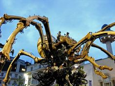 Giant Mechanical Spider by La Machine in Liverpool 2008 Photography Website, Science And Nature, Robots, Liverpool, Spider, Organic, Events, Paintings, Ceiling Lights