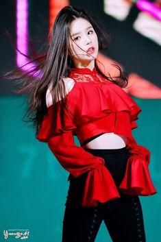dedicated to female kpop idols. Stage Outfits, Kpop Outfits, Girl Outfits, Fashion Outfits, Kpop Girl Groups, Korean Girl Groups, Kpop Girls, Kpop Fashion, Korean Fashion