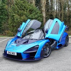 McLaren Senna Our online magazine, especially for lovers of luxury selects more high-quality exclusive images of the most luxurious cars Luxury Sports Cars, New Sports Cars, Exotic Sports Cars, Super Sport Cars, Best Luxury Cars, Exotic Cars, Mclaren Autos, Mclaren Mp4 12c, Mclaren Cars