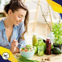 Las vitaminas y minerales son nutrientes esenciales que se complementan. El cuerpo humano no puede fabricarlas, por lo tanto deben estar siempre presentes en nuestra dieta para una correcta nutrición.