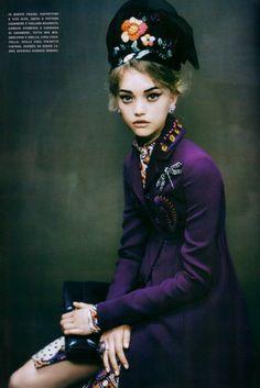 Gemma Ward photographed by Paolo Roversi - Vogue Italia: December 2005 - An Attitude