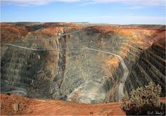 The KCGM Super Pit in Kalgoorlie, Western Australia, is the largest gold open-cit pit in Australia. West Coast Australia, Opal Australia, Perth Western Australia, Moving To Australia, World's Best Food, Outdoor Photography, Places To See, Westerns, Cool Pictures