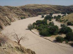 """""""twee-spoor pad""""-Omaruru River A -almost- bird eye view of the Omaruru-River"""