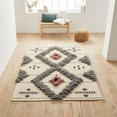 The home of rugs! You will love our selection of amazing rugs - designer quality without the price tag. Shop our range of beautiful rugs, guaranteed to complete your rooms perfectly! Rattan Lampe, Tapetes Diy, Boho Diy, Salon Design, White Rug, Punch Needle, Rug Hooking, Room Rugs, Woven Rug