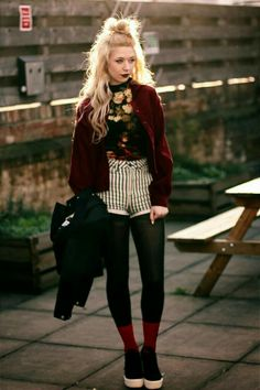 24 street style grunge looks you should to try 3 – Trendy Fashion Ideas Grunge Look, Style Grunge, Hipster Grunge, 90s Grunge, Soft Grunge, Uk Fashion, Grunge Fashion, Skirt Fashion, Fashion Outfits