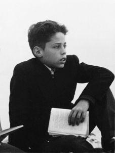 Chico Buarque de Hollanda - cantor e compositor brasileiro  Chico menino - acervo pessoal - Catraca livre