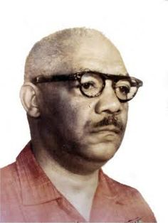 Armando de Pedro Capetillo (Candelaria 10 de mayo de 1900 – siete de diciembre de 1959) se nombraba el director de la Academia Fiat Lux, fundada en la pasada década de los 40 en ese pueblecito al pie de la Sierra del Rosario, entonces perteneciente a la provincia de Pinar del Río y ahora a…