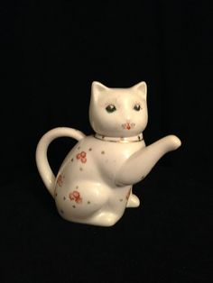 VINTAGE CHINESE PORCELAIN  figure Welcome Cat  by CoCoBlueTreasures