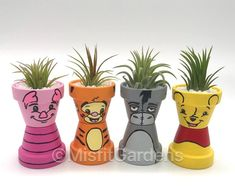 vase holder The Wonderful Thing About Tiggers Air Plant Holder with Flower Pot Crafts, Clay Pot Crafts, Flower Pots, Paint Garden Pots, Drawing Cartoon Faces, Free Stuff By Mail, Free Mail, Flower Pot People, Manualidades