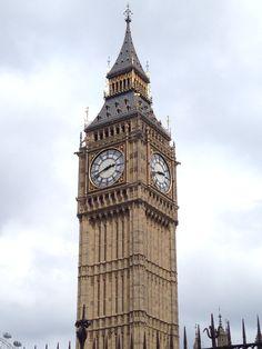Elisabeth Tower / Big Ben at Westminster London