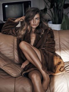 Andreea Diamond brown fur coat, bronze body