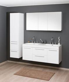 Zwevend badkamermeubel, met ruimte om wat op te zetten, spiegelkast.