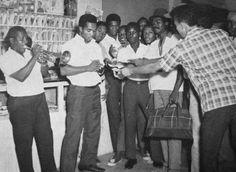 Prince Buster Prince Buster, Ska Punk, Jamaican Music, Al Capone, Rude Boy, Skinhead, Reggae Music, Bob Marley, Musical