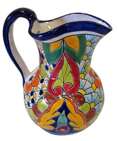 Gorgeous talavera is a Mexican favorite. Mexican Home Decor, Mexican Kitchen Decor, Mexican Folk Art, Southwest Kitchen, Painted Clay Pots, Hand Painted Ceramics, Talavera Pottery, Ceramic Pottery, Mexican Ceramics