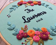 floral embroidery This hand embroidery hoop art is perfect as a wedding for a newlywed couple or for as a anniversary gift! I personally draw this embroidery design and this custom Name Embroidery, Wedding Embroidery, Embroidery Patterns Free, Embroidery Hoop Art, Hand Embroidery Designs, Custom Embroidery, Floral Embroidery, Floral Hoops, Art Textile