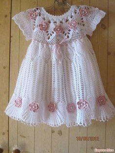See how easy it is to make this beautiful dress in crochet patterns FREE SCHEME … - Baby Dress what a beautiful crochet dress model I found very delicate pattern see step by step free One of the most popular categories where you can find a lot of free Crochet Baby Dress Pattern, Baby Dress Patterns, Baby Girl Crochet, Crochet Baby Clothes, Crochet For Kids, Knit Crochet, Crochet Patterns, Crochet Dresses, Crochet Diagram