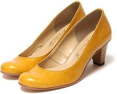 Round toe pumps / ShopStyle: ストリクト strict ラムエナメルパンプス